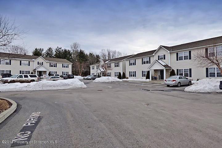 648 Marion Lane, Moosic, PA 18507