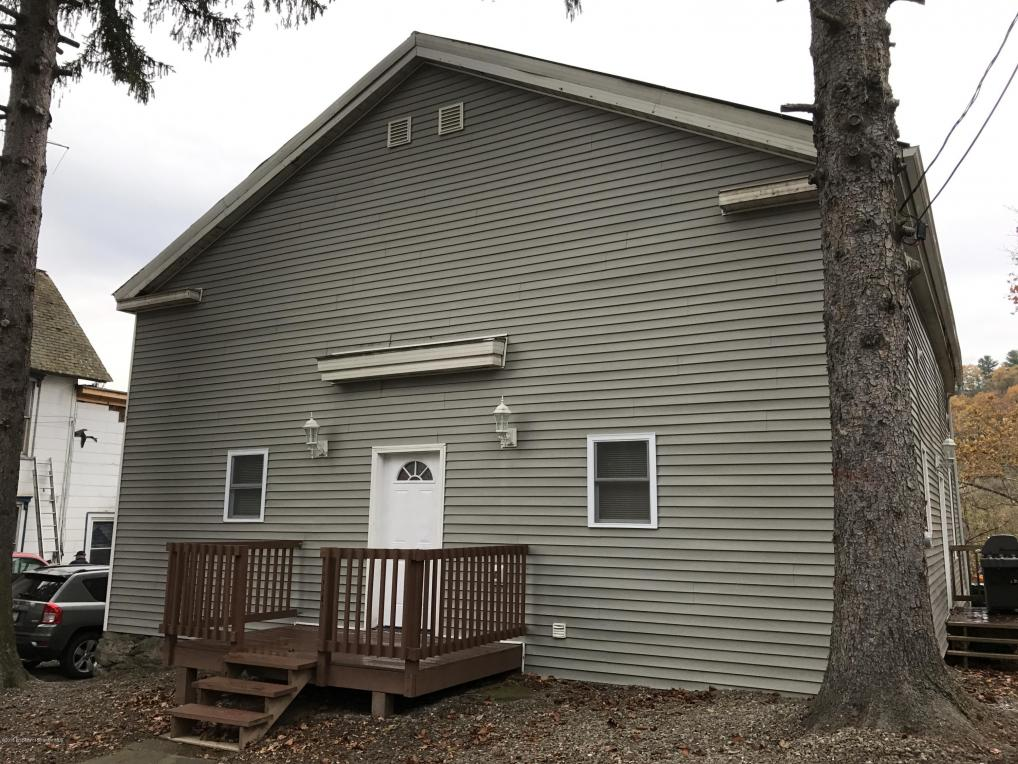 159 Auburn St, Meshoppen, PA 18630