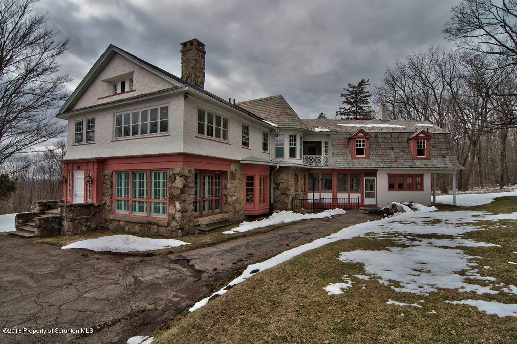 325 Carbondale Rd, Waverly, PA 18471
