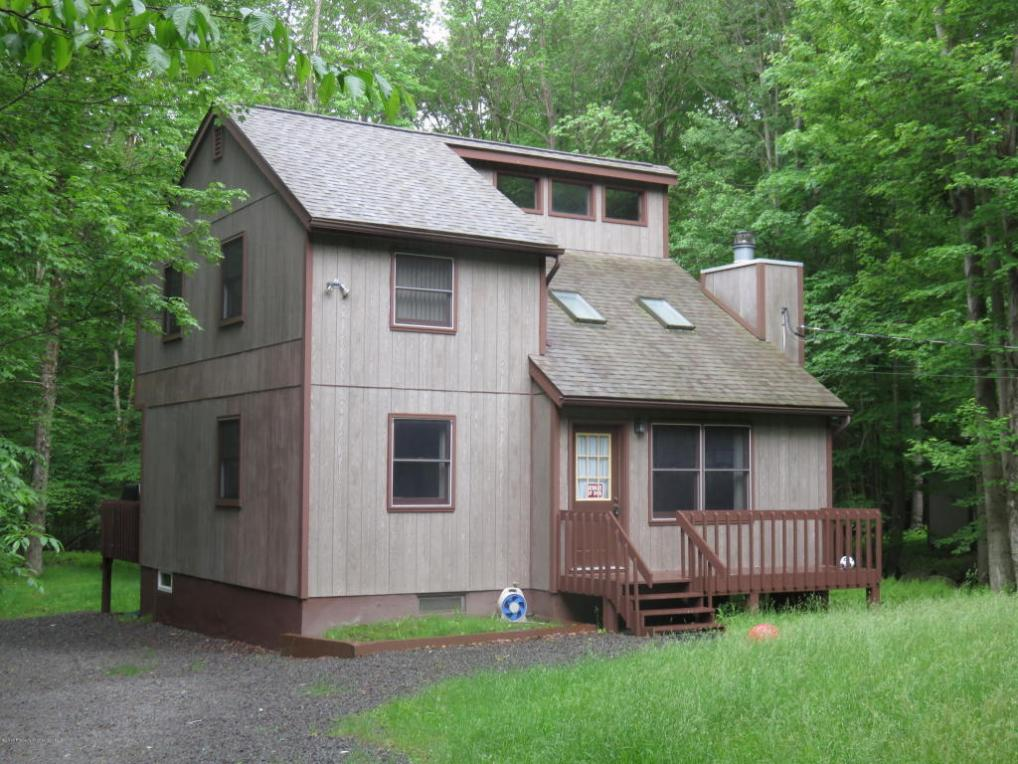 35 Livingston Lane, Gouldsboro, PA 18424