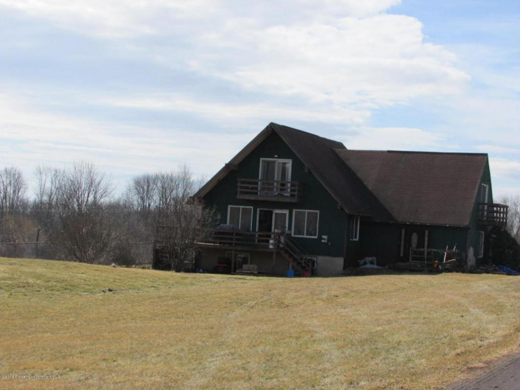 3033 North Road, Montrose, PA 18801