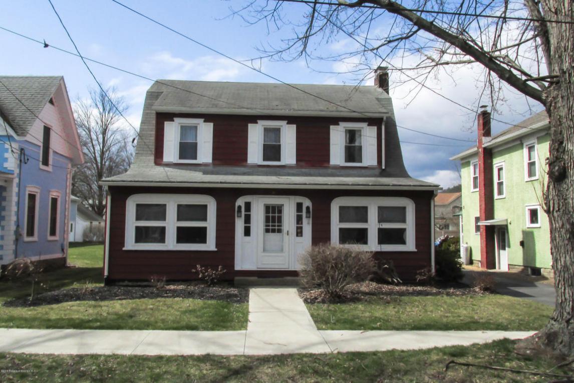 21 Slocum Ave, Tunkhannock, PA 18657