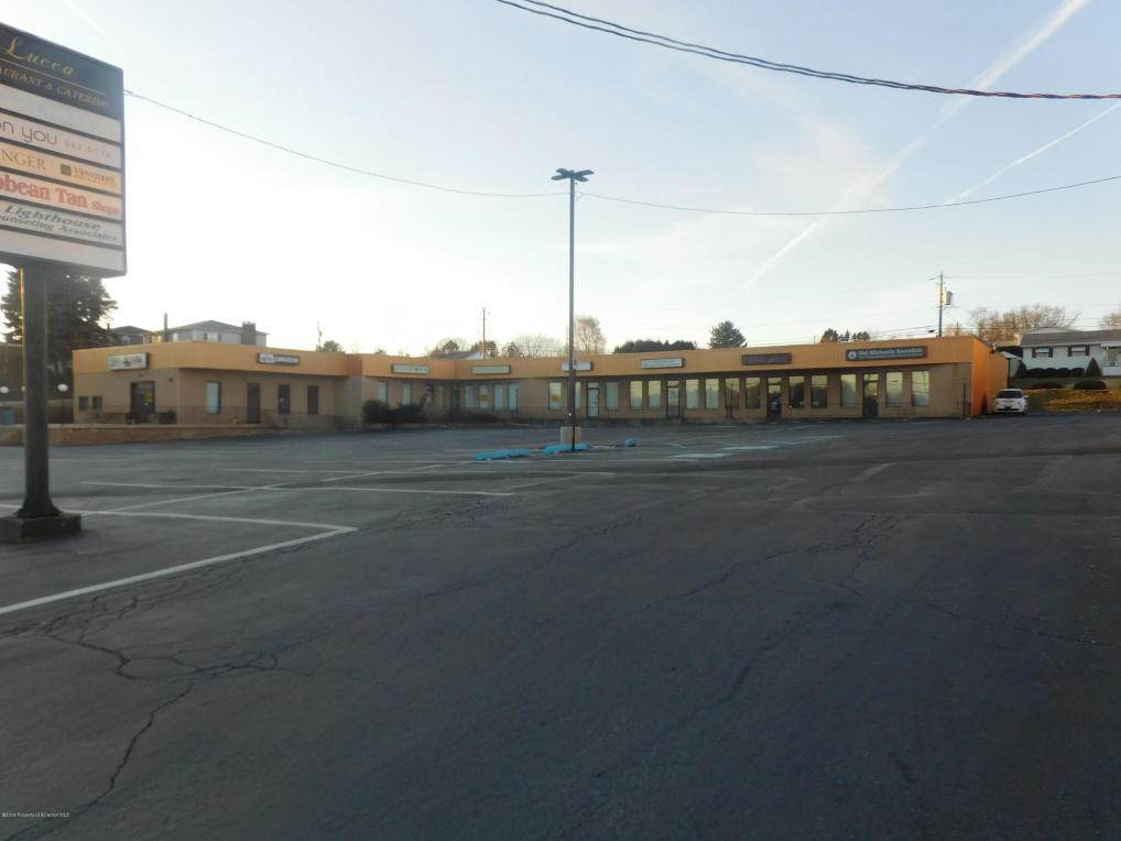 802 S Main St, Taylor, PA 18517