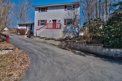 454 Willowbrook Rd, South Abington Twp, PA 18411