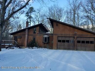 128 Cedar Lane, Canadensis, PA 18325