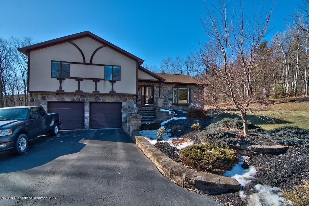 200 Willow Dr, Jefferson Twp, PA 18436