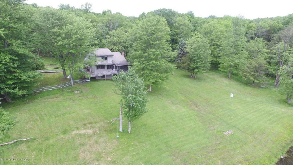 94 Dixon Valley Rd, Pleasant Mount, PA 18453