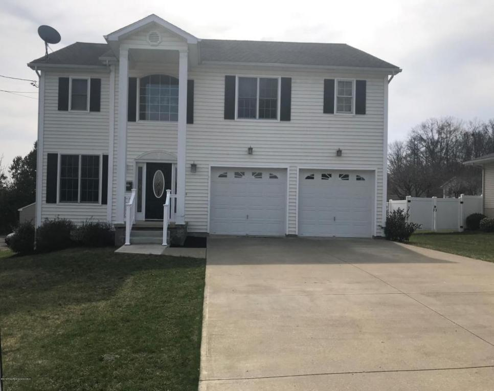 753 Crystal St, Peckville, PA 18452