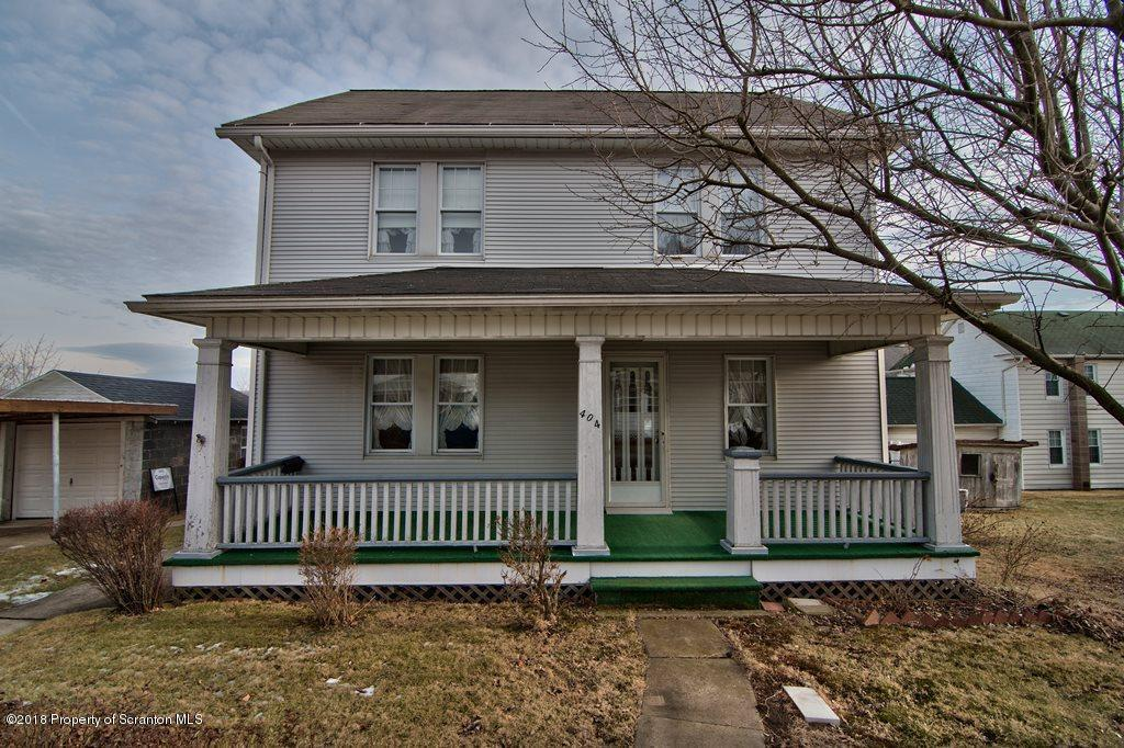 404 3rd St, Blakely, PA 18447