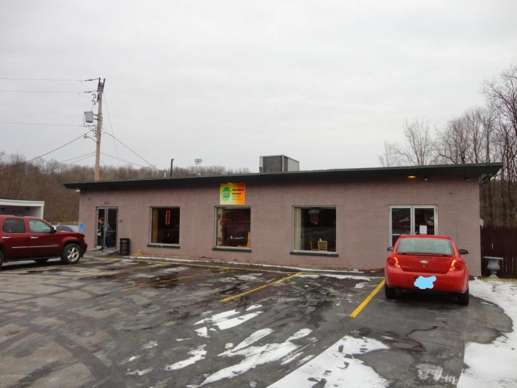 814 State Route 690, Moscow, PA 18444