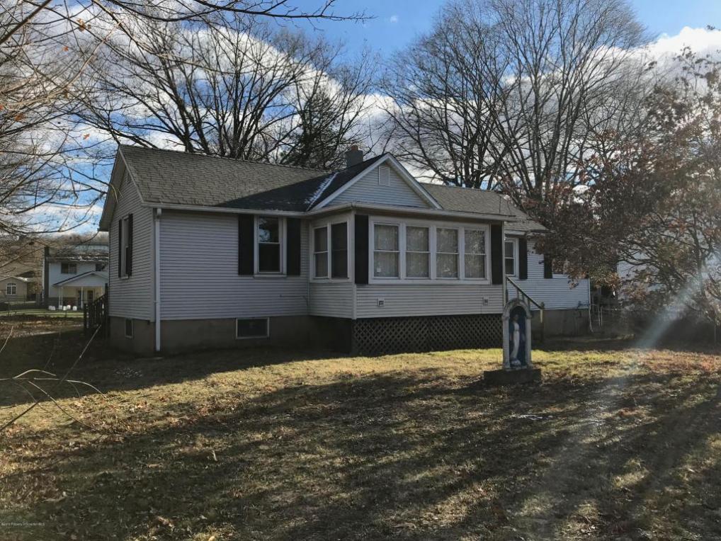 29 Salina St, Moosic, PA 18507