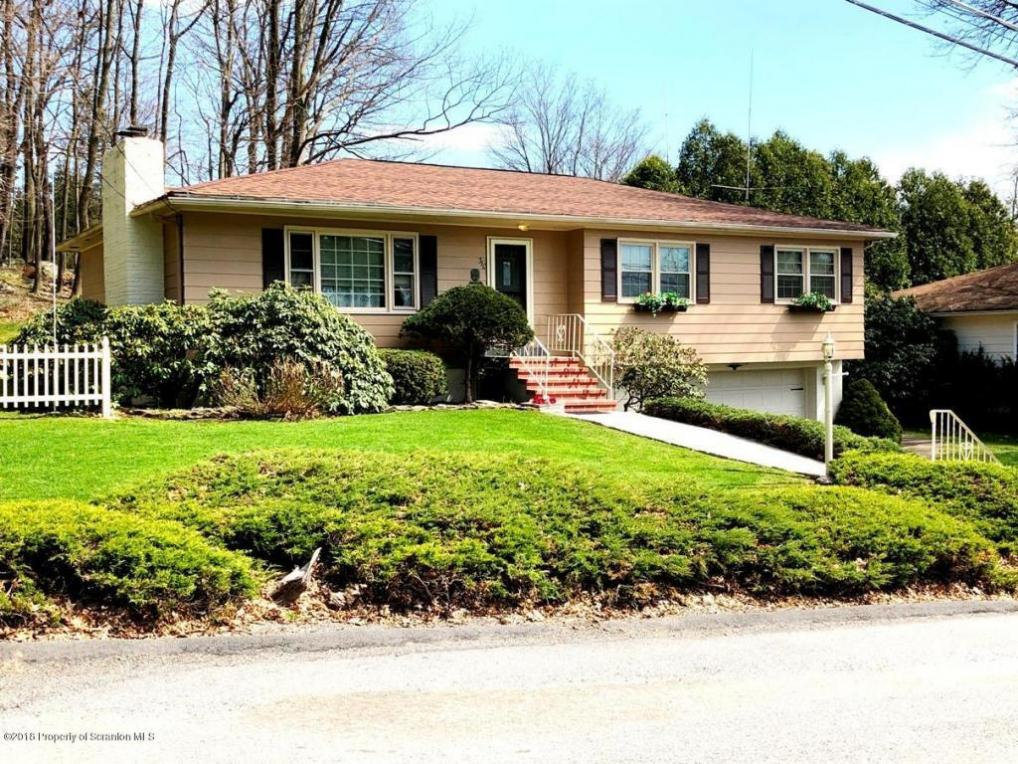 310 Crestwood Ave, Clarks Summit, PA 18411