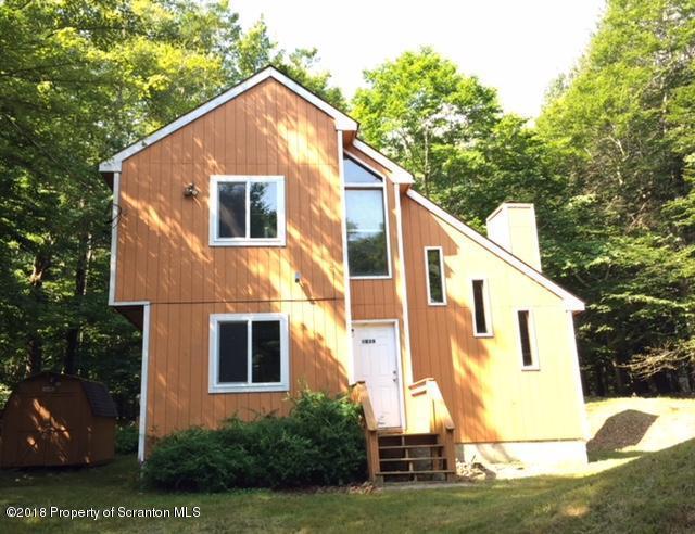 1039 1041 Buckhorn Dr., Newfoundland, PA 18445