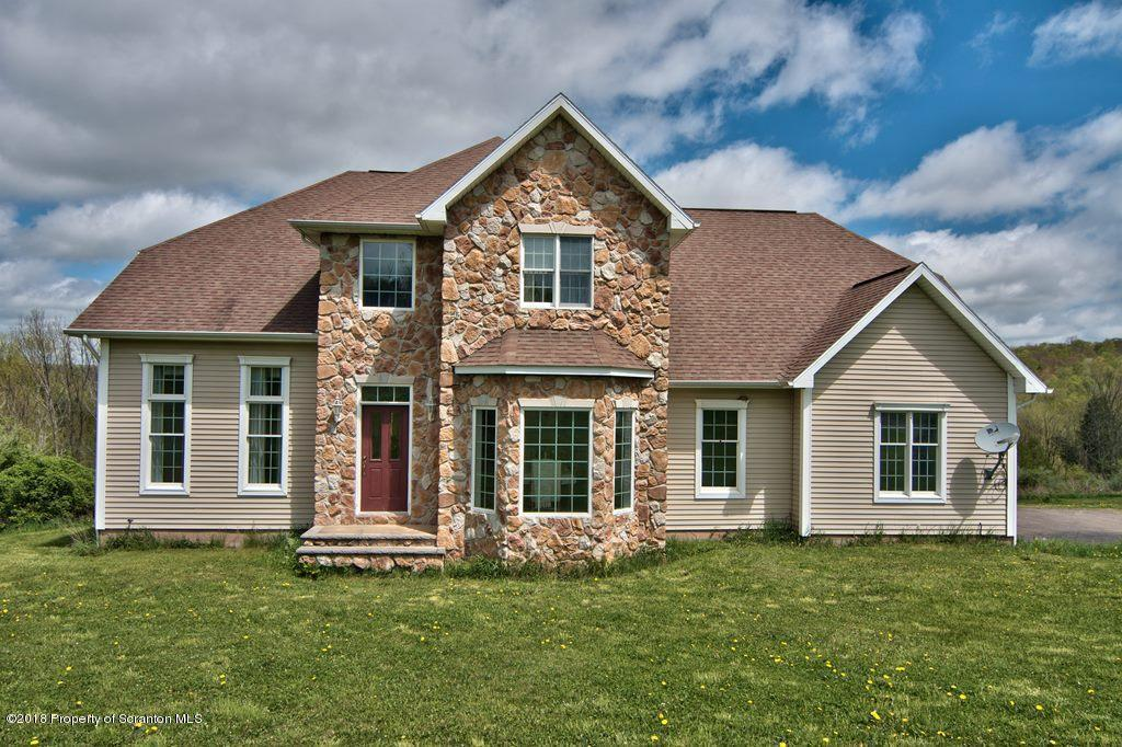 186 Hillview Dr, Factoryville, PA 18419