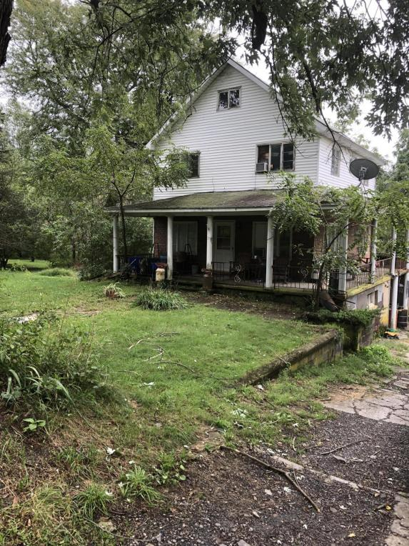 1616 Forest Acres Dr, Clarks Summit, PA 18411