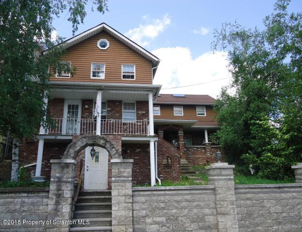 1035 Lincoln St, Dickson City, PA 18519