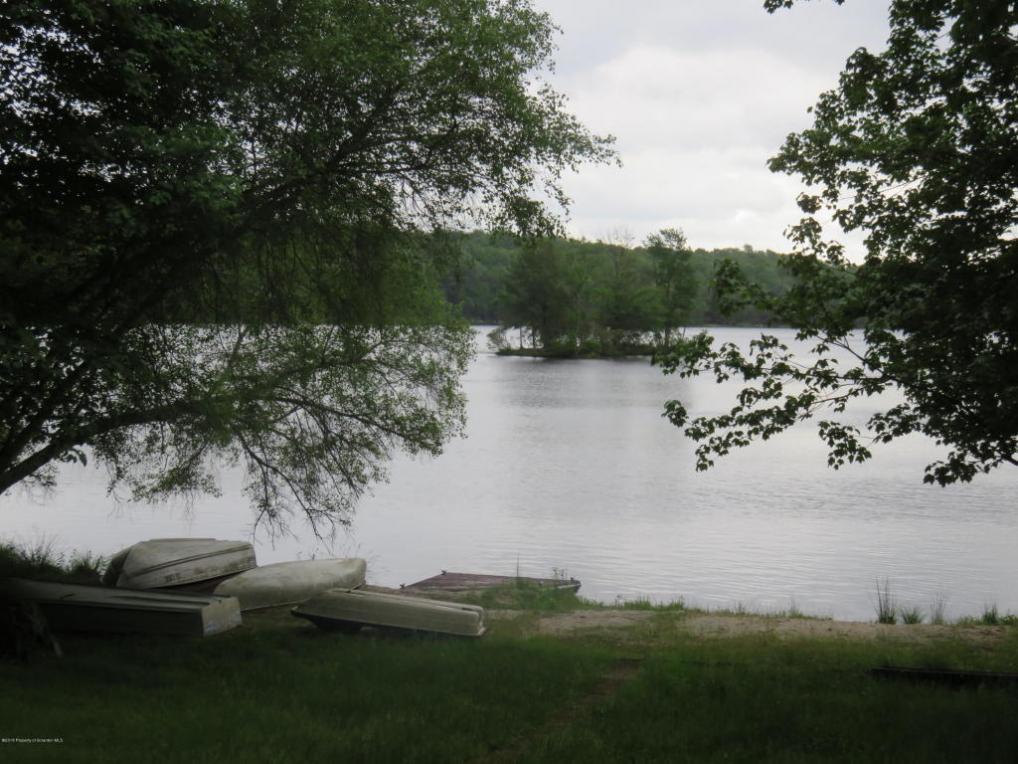 110 W Lake Drive, Gouldsboro, PA 18424