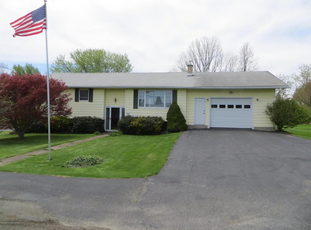 53 Harriet Dr, Spring Brook Twp, PA 18444