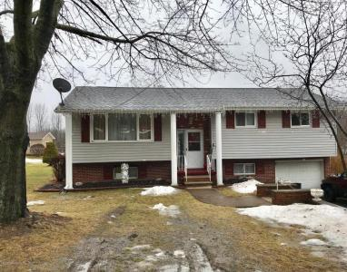 44 Honesdale Rd, Carbondale, PA 18407