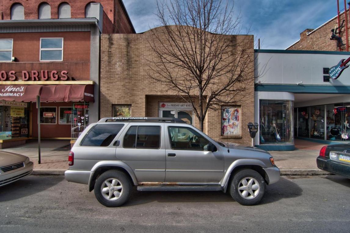34 N Main St, Pittston, PA 18640