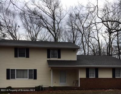 Photo of 1 Midwood Ln, Clarks Summit, PA 18411
