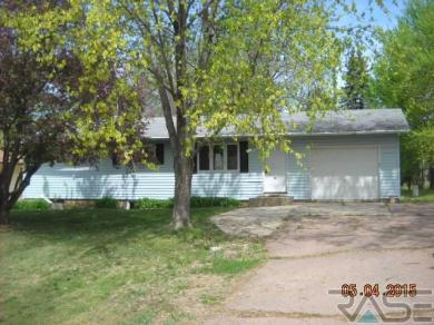 204 Broadway Ave, Valley Springs, SD 57068