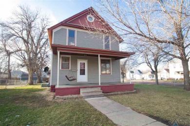 335 N Blauvelt Ave, Sioux Falls, SD 57103
