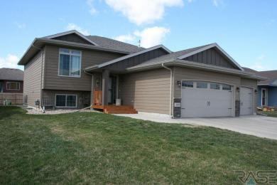 2309 S Mary Beth Ave, Sioux Falls, SD 57106
