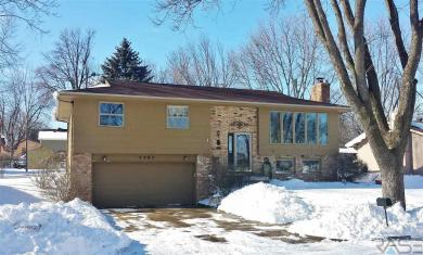 2205 S Stephen Ave, Sioux Falls, SD 57103