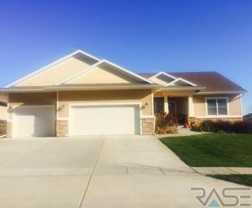 3900 S Banyan Ave, Sioux Falls, SD 57110