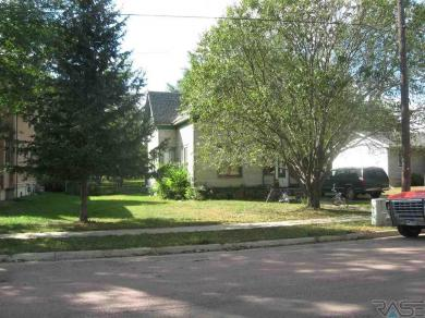 507 S Pleasant St, Canton, SD 57013