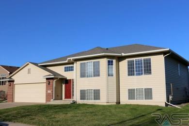 2212 S Villanova Ave, Sioux Falls, SD 57106