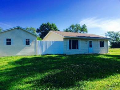 910 E 3rd St, Bridgewater, SD 57319