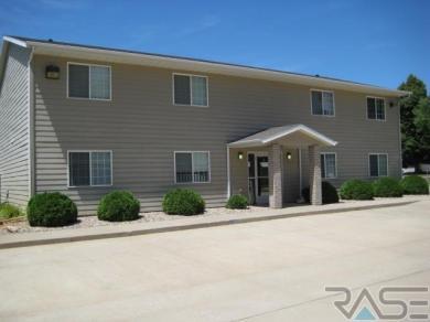 309 E 6th Ave, Lennox, SD 57039