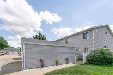 1123 S Bridgeport Pl, Sioux Falls, SD 57106