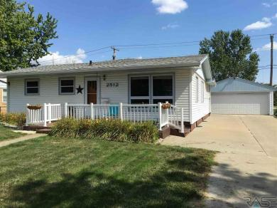 2512 S Blauvelt Ave, Sioux Falls, SD 57105