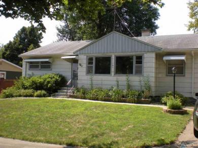 941 S Harrington Ave, Sioux Falls, SD 57103