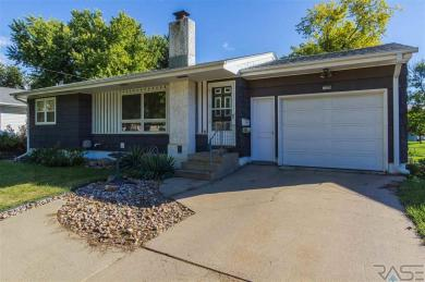 1404 S Bruce Rd, Sioux Falls, SD 57105