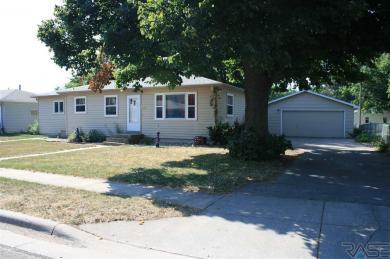 5405 W 15th St, Sioux Falls, SD 57106