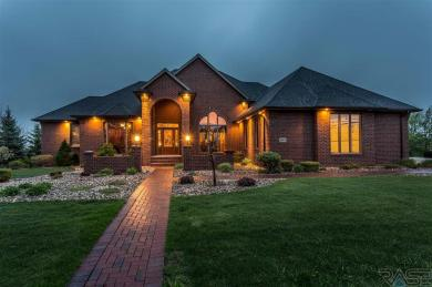 5312 S Sweetwater Pl, Sioux Falls, SD 57108