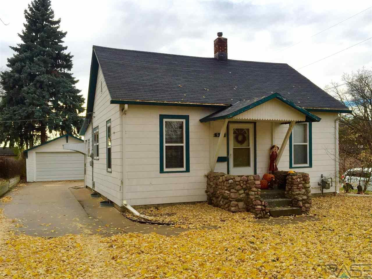 New Listing by EXIT Realty Sioux Empire! 215 N Hawthorne Ave. Sioux Falls