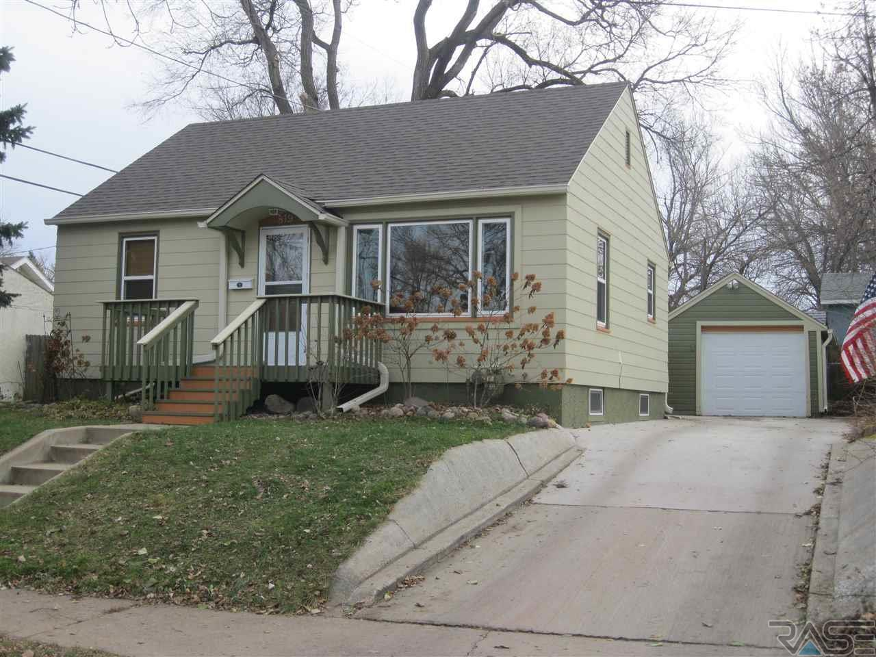 819 W 3rd St. Sioux Falls, SD SOLD by EXIT Realty Sioux Empire