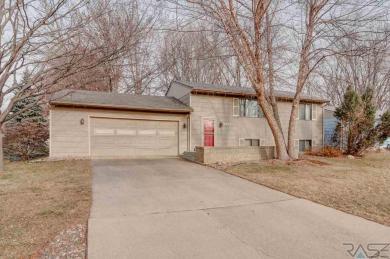 3804 E Huntington St, Sioux Falls, SD 57103