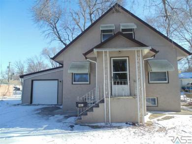 1230 N Duluth Ave, Sioux Falls, SD 57104