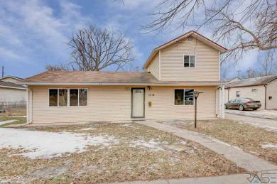 1016 N Walts Ave, Sioux Falls, SD 57104