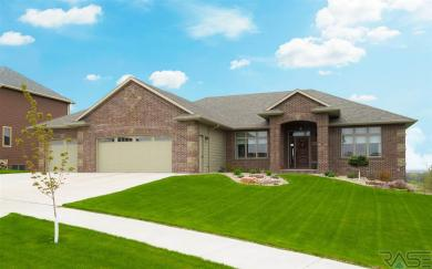 8905 E Sugar Maple Cir, Sioux Falls, SD 57110