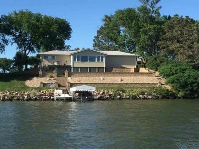 Photo of 6219 N Lakeside Dr, Madison, SD 57042