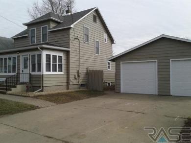 1601 W 9th St, Sioux Falls, SD 57104