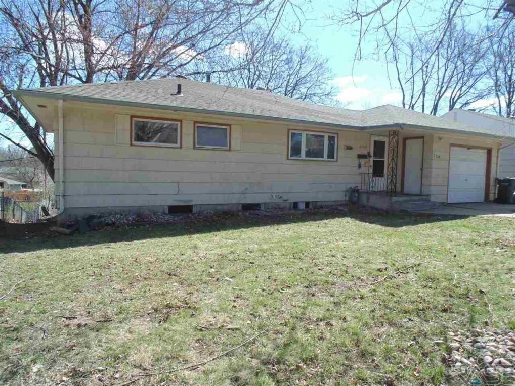 2108 Cliff Ave, Sioux Falls, SD 57105