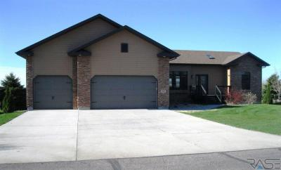 Photo of 25 Golf Dr, Wentworth, SD 57075